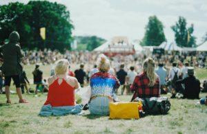 festival 2 300x195 - festival 2